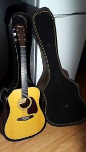 TRES BELLE GUITARE IBANEZ, MODEL M300AM, + CASE REGIDE + TREPIED