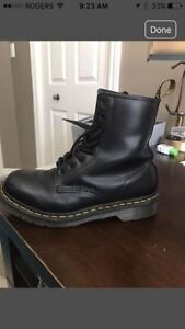 Ladies 8 hole Dr. Marten boots