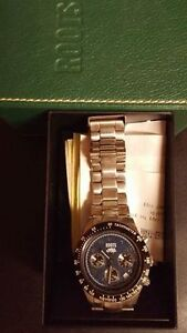 Mens roots watch Good condition. Needs a new battery
