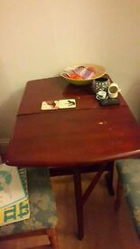 SMALL WOODEN DINING/KITCHEN TABLE