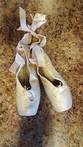 3 Pair Tap Shoes, 1 Pair Point