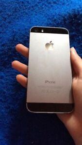 iPhone 5 noir ,16 go excellent état comme neuf!