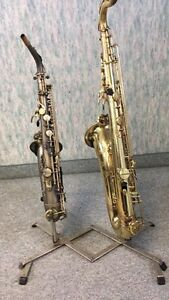 Double Saxophone Stand