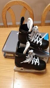 Patins hockey BAUER comme NEUFS !