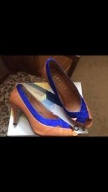 Ladies Office Tan / Blue Shoes - Size 6.5 - Worn Once