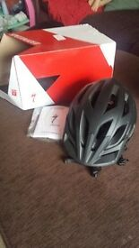 Specialized tactic II bike helmet size small (51-57cm), brand new