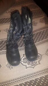 Youth Boys winter boots ...sz 1&2 .....Toddler twin girls  sz 9