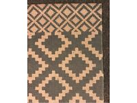 Aztec-design Blue-White Rug