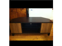 BROWN OAK WOOD TV STAND