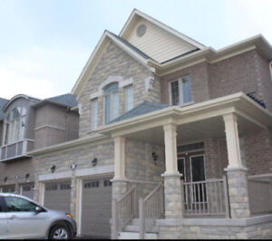 Beautiful 4bedroom detached house close to all amenities
