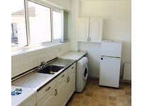 *** Single room ,fully furnished, refurbished flat, few minutes from the beach ***