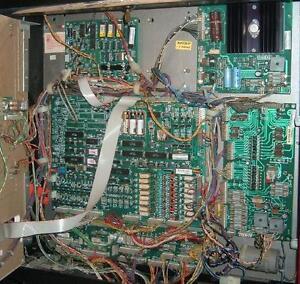 Services de réparation et entretien de Pinball, Machine à boule