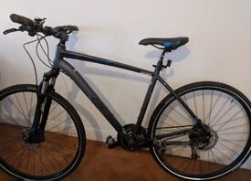 Merida Crossway 100 hybrid bicycle - Size 52 (LOOKING FOR QUICK CASH SALE)
