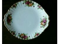 ROYAL ALBERT OLD COUNTRY ROSES BREAD AND BUTTER PLATE /CAKE