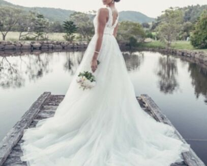 Wanted: Wedding dress Size 8 Luv Bridal