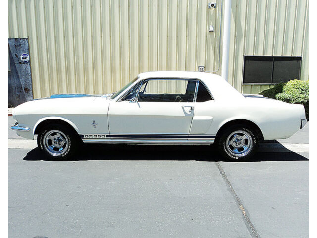 Image 2 of Ford: Mustang White