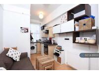 1 bedroom flat in Brondesbury Villas, London, NW6 (1 bed)
