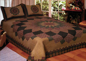 ~ONE THIS PRICE~ Vintage Dahlia Floral Design & Pillow Shams King Size Quilt Set