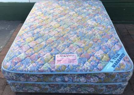 Excellent condition double bed set for sale. Delivery can organis