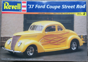 1937 Ford Coupe Street Rod Model Car Kit