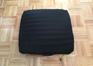 "ROHO Wheelchair Cushion 18"" x 18"" Like New"