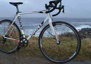 GIANT TCX Cross Bike for sale, Great condition