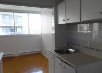 Appartements à louer sur Ave. de Bois-de-Boulogne