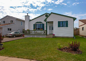 3+2 Bdrm Family home with rental suite in great neighbourhood