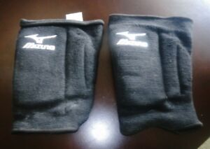 mizuno youth volleyball/lacross knee pads