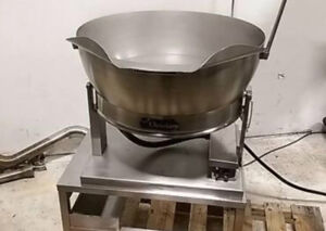 GREAT CONDITION: STEEL KETTLE (15 GALLONS)