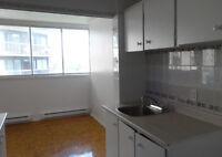 Appartements 6.5 à louer sur Ave. de Bois-de-Boulogne