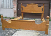 Great Oak Queen Bed Frame,good cond,delivery possible$$,read in