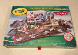 Disney Crayola pop up 3D Colouring set PLANES