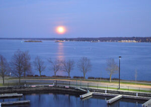 Brockville, Water Front Luxury 3 Bedroom 1850 Sq Ft Condo & dock Kingston Kingston Area image 4