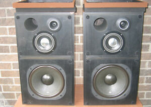 Vintage Pioneer CS-R500 Speakers (3 way)