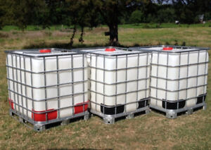 1000L IBC Plastic Tote w/ Cage Great For Storage or Hunt Camp