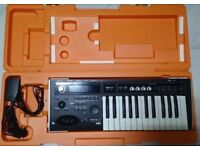 korg micro x synthesizer excellent condition with case
