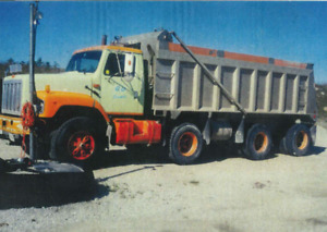 94 INTERNATIONAL TRI-AXLE DUMP TRUCK FOR SALE