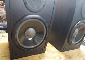 Infinity Bookshelf speakers---AWESOME SOUND !!!