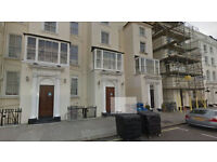 Lovely Studio flat on third floor available in Westminster. HB and DSS accepted.