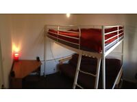Double bed cozy room in Lawrence Hill bs5. Looking for friendly new housemate. :D