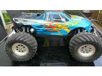 Team Associated mgt 4 Monster Truck Nitro
