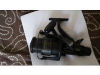 shimano gt4000 baitrunner. shimano dx match reel needs atention. shimano 4000 re in box