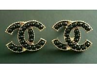 Beautiful Gold & black pearl studs Brand new