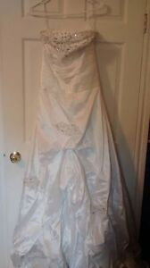 Selling bridesmaids dress and Wedding Dress with pettycoat