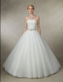Brand New - wedding dress - Ronald Joyce - size 16