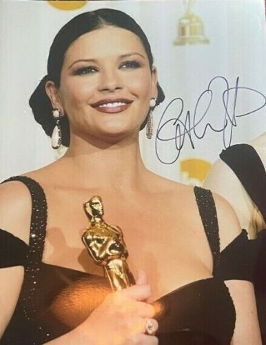 Catherine Zeta-Jones signed autographed 8x10 Photo Oscar Winner