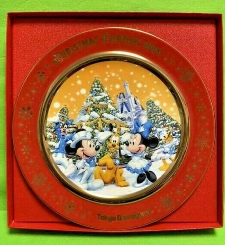 Disney Tokyo Disneyland Japan Christmas 2005 Picture Plate Mickey Mouse Limited