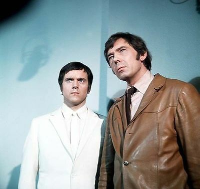 KENNETH COPE UNSIGNED CAST PHOTO - 41 - RANDALL AND HOPKIRK (DECEASED)