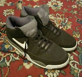 Nike Air Flights Size 11